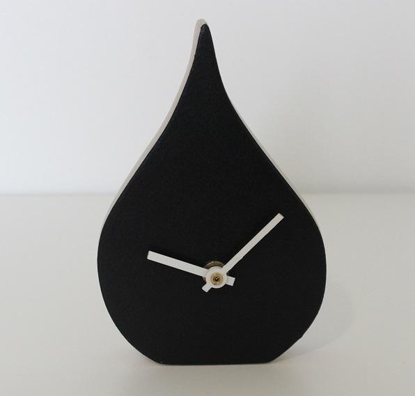 Uniaika-kello-pisara-musta